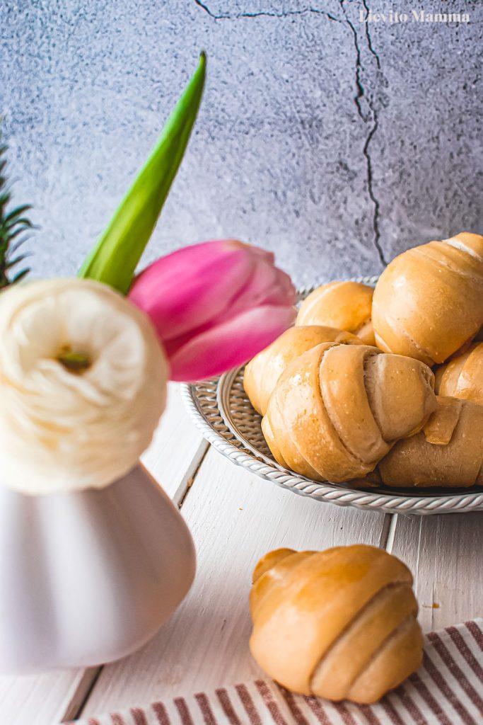 Ein Rezept von Lievito Mamma für softe Milchbrötchen mit Lievito Madre